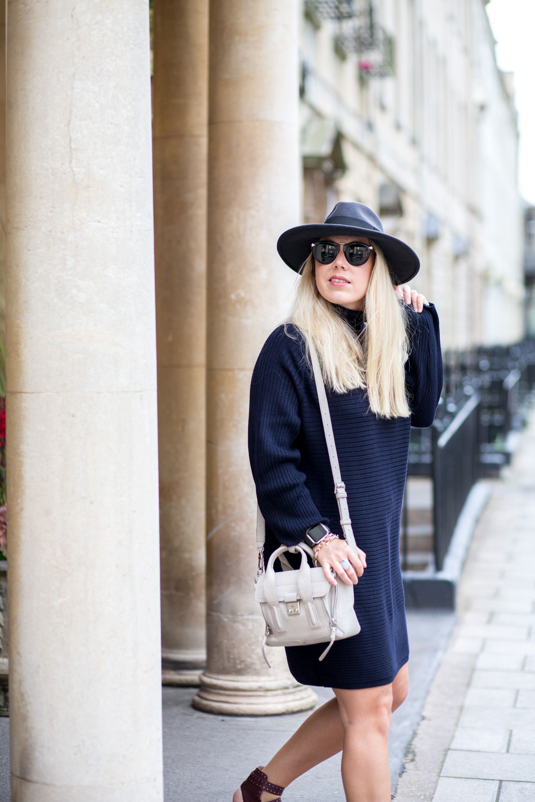052a83b156 HOW TO TRANSITION INTO FALL WITH THE JUMPER DRESS - Mediamarmalade